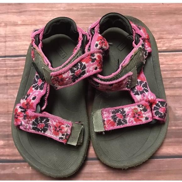 f6544e33fdb Teva Girls Sandals Size 6T Pink Floral Adjustable
